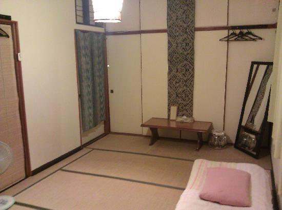 Guest House Bola-Bola: This is our second room upstairs