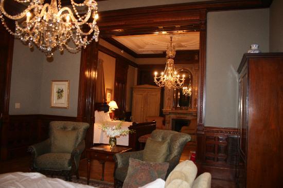 Wentworth Mansion: Guest room