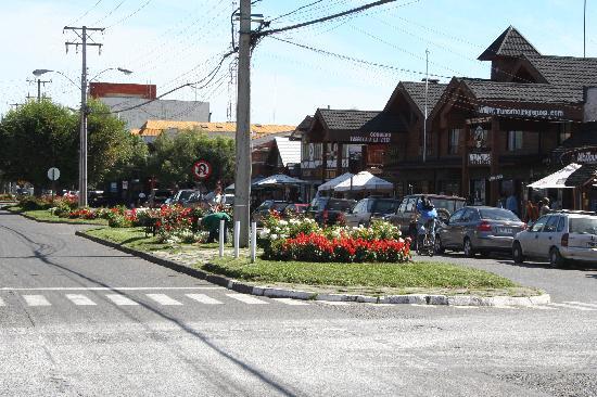 Hosteria Tricahue : Vista del centro de Pucon.