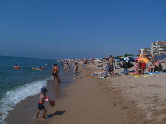 Santa Susanna Resort: large beach