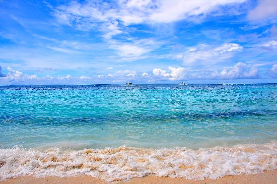 Dumaluan Beach Resort: beach at dumaluan 2