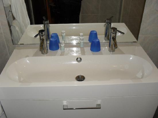 Hotel Ester: 1. Fancy looking sink.