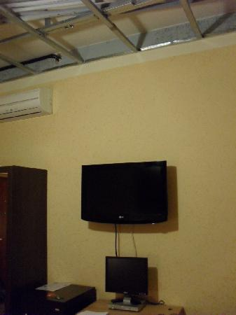Hotel Ester: 3. The ceiling above the TV and PC (WiFi and Satellite TV).
