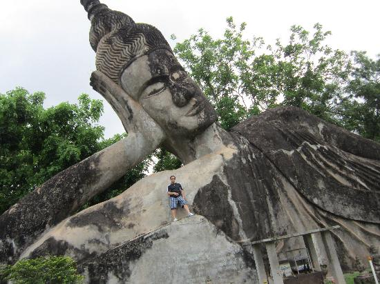 Vientiane, Laos: Biggest Buddha at the park