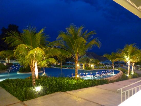 Sheraton Bijao Beach Resort: Vista de noche