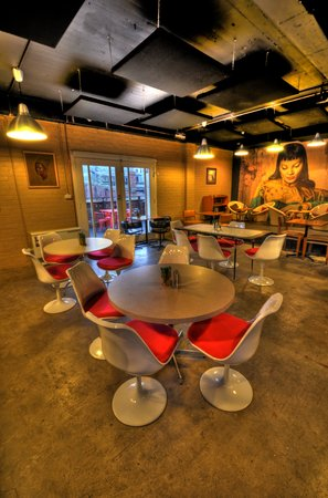 Fresh on Charles : New Dining Room & Venue
