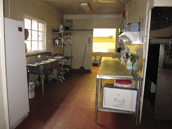 Zaca Lake Retreat : Kitchen