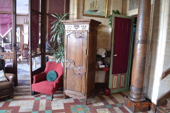 Chateau Les Hauts de la Baie du Mont Saint Michel: hall