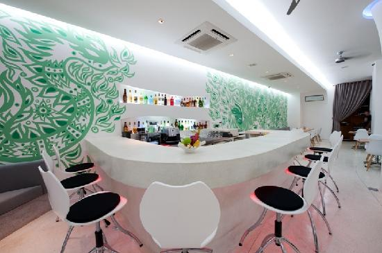 Lebiz Hotel & Library: Lime Bar