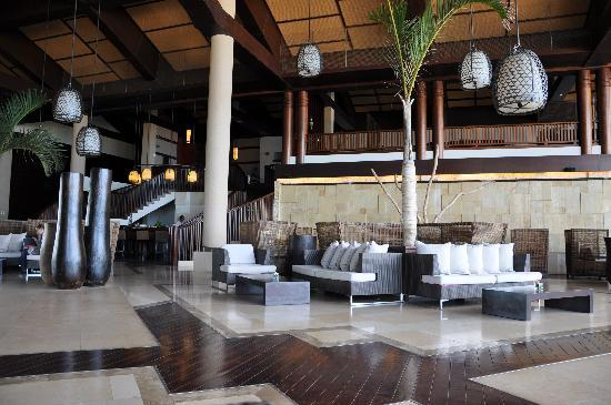 InterContinental Mauritius Resort Balaclava Fort: Lobby