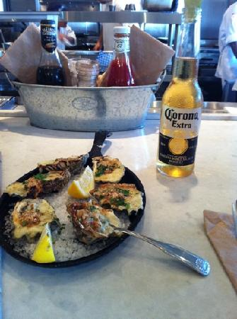 Blue Plate Oysterette : Tasty Rockefeller Oysters with a bottle of Corona