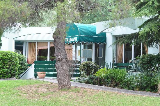 Campanile Cannes Ouest - Mandelieu: entrée restaurant
