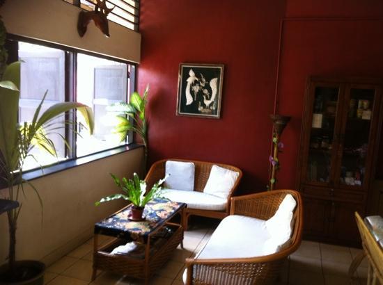 Akinabalu Youth Hostel: reading area