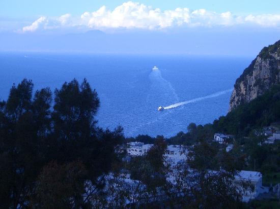 Hotel Capri : Vew from Room #52