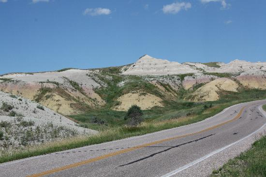 Cedar Pass Lodge: more of the badlands