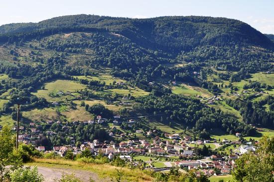 Logis La Bouloie: La vallée vue du balcon