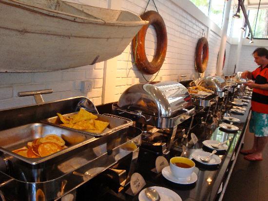 Lone Pine Hotel: Breakfast