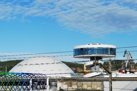 Centro Niemeyer: Niemeyer en Obras