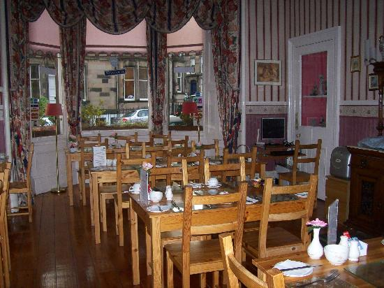 St. Valery Guest House : The breakfast room