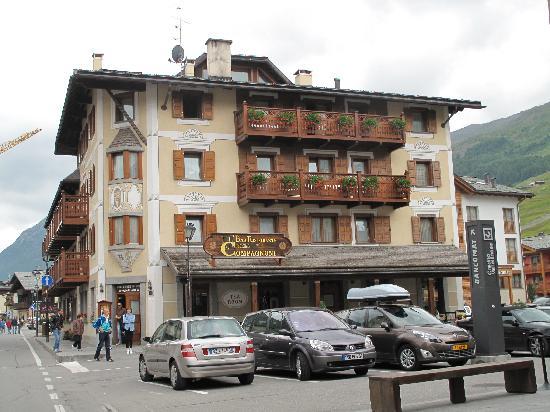 Hotel Compagnoni: vista frontale albergo