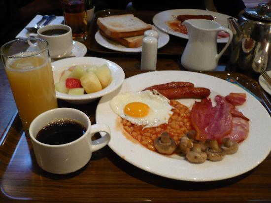 Camden Court Hotel: desayuno