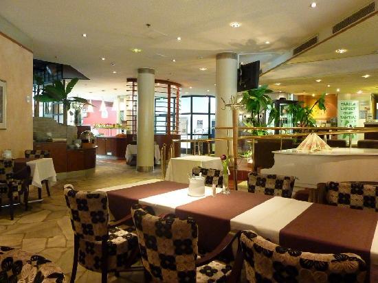 Lapland Hotel Tampere: Petit déjeuner