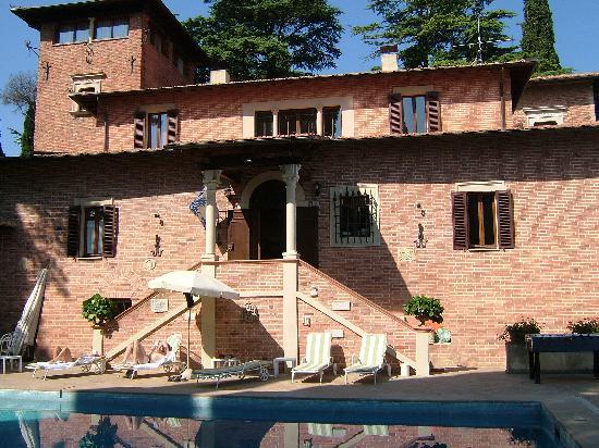 Hotel Villa Pambuffetti: vista della piscina