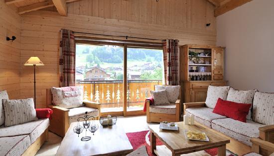 Ski & Summer Morzine - Chalet Savoy: Chalet Savoy lounge