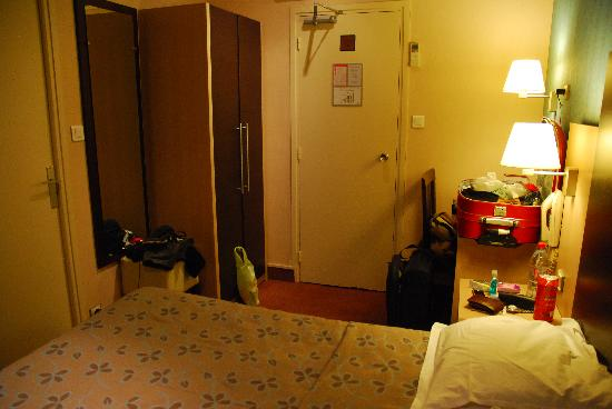 Hôtel Des Trois Gares : room 304