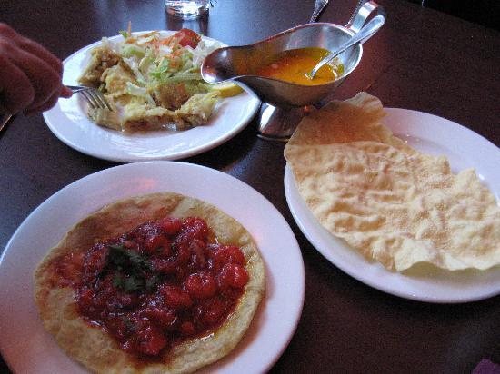 Kismot: Samossa végétariens, crevettes puri et poppodum