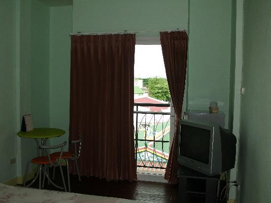 แสนสบายเฮ้าส์: Well-furnished room