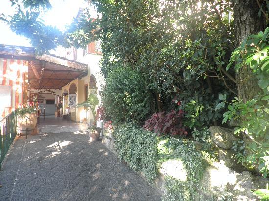 Hotel La Capannina: ingresso hotel ristorante