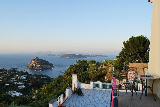 Hotel La Capannina: vista panoramica dal terrazzino della stanza