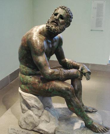 """Museo Nazionale Romano - Palazzo Massimo alle Terme: """"Le Pugiliste"""" - The """"boxer""""."""
