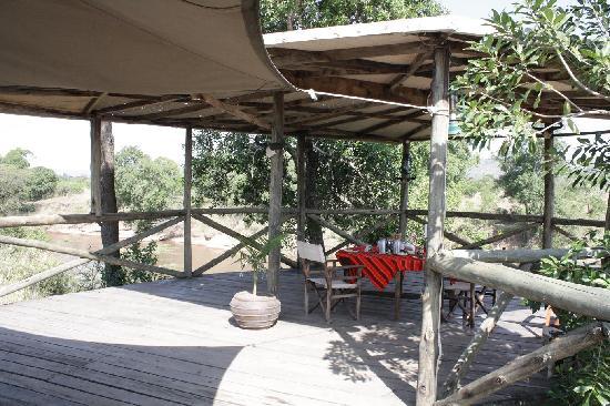 Cheetah Tented Camp: Desayuno con hipopótamos