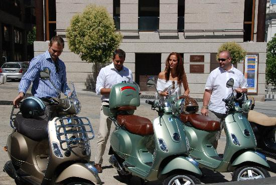 Trip Chic! Live in Vespa: TOUR