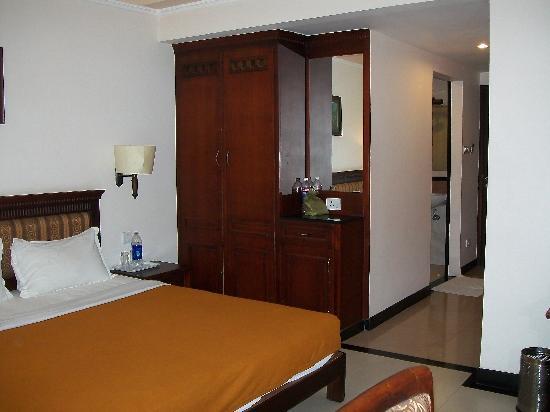 Grand Thekkady: decent room