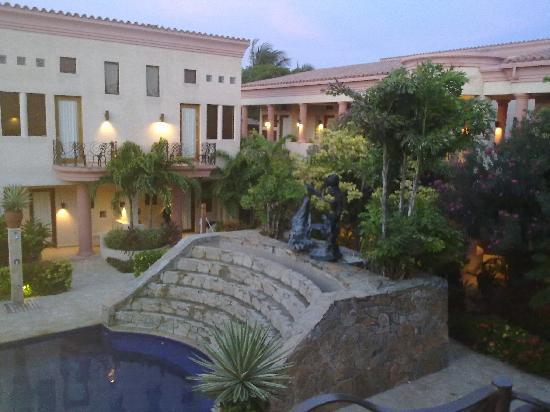 Las Sirenas Hotel & Condos: l' albergo