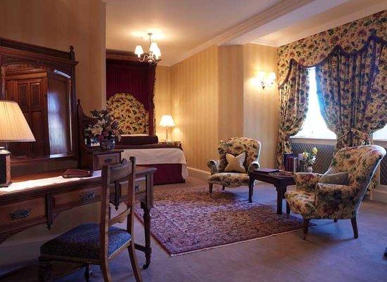 Glenapp Castle: Ardstinchar, Garden View Room
