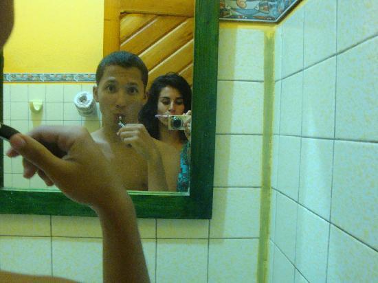 Hotel Guarana: cómodos baños...