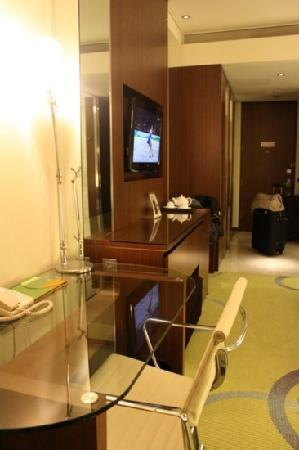 Courtyard by Marriott Seoul Times Square: modern design room