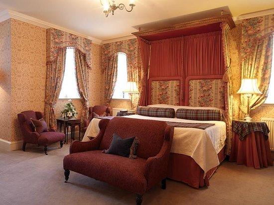 Glenapp Castle: Auchencrosh, Garden View Room