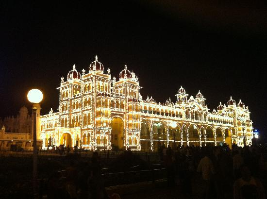 Mughal Durbar: Mysore Palace