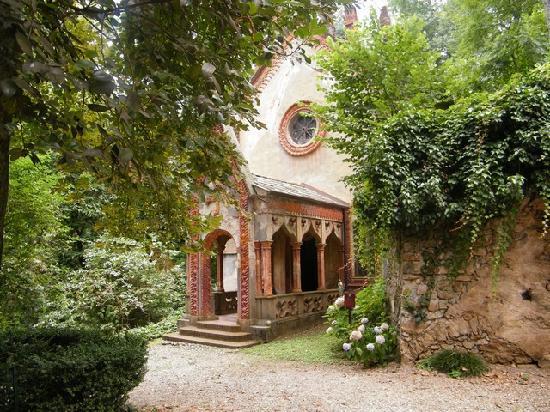 Castello del Roccolo: la chiesetta