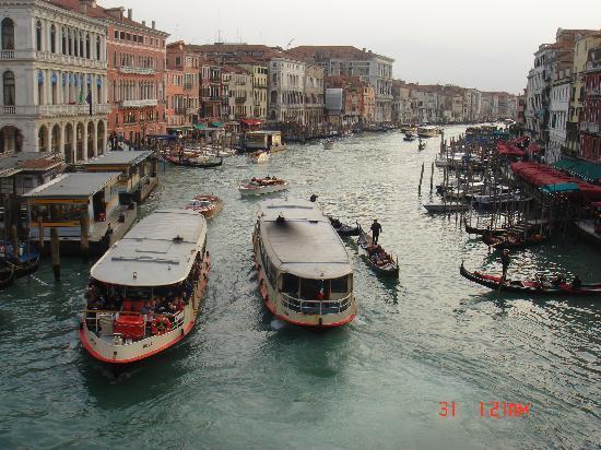 Venice, Italy: traffico sul canale