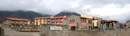 Agios Athanasios, Grecja: Domotel Neve the Building