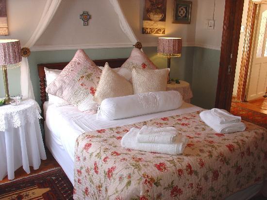 John Montagu Guest House: room 144
