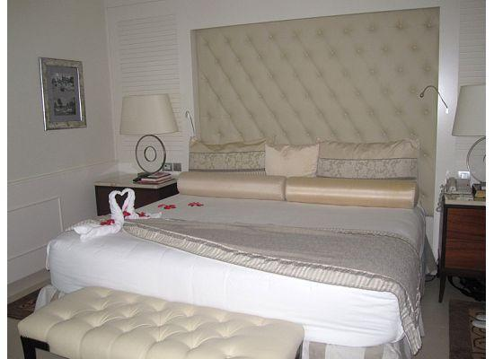 Iberostar Grand Hotel Bavaro: Awesome bed in our room!
