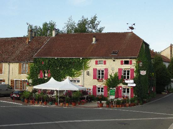 Photo of L`Auberge de la Fontaine Villiers-sur-Suize