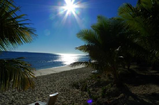 The Mana Spa: Fiji. Mana Island.View from north beach.